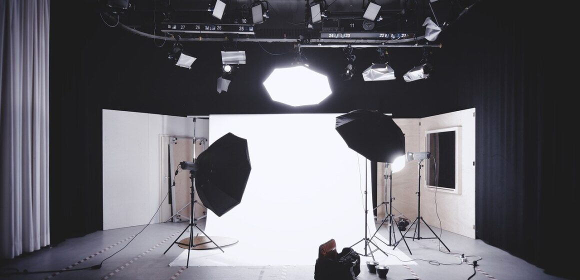 How to Book a Photo Studio Online?
